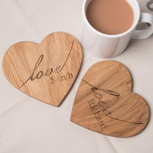 Lót ly gỗ hình trái tim