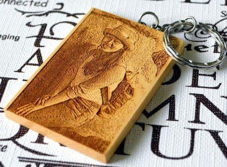 Móc khóa gỗ khắc hình làm quà tặng sinh nhật nhiều ý nghĩa
