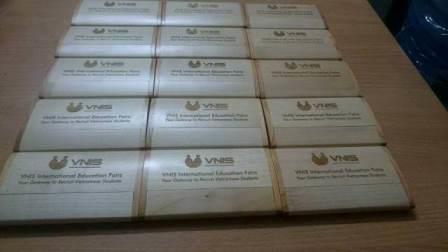 Sản xuất hộp name card gỗ giá rẻ chất lượng khắc laser miễn phí