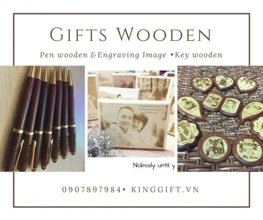Sản xuất quà tặng gỗ đẹp khắc laser